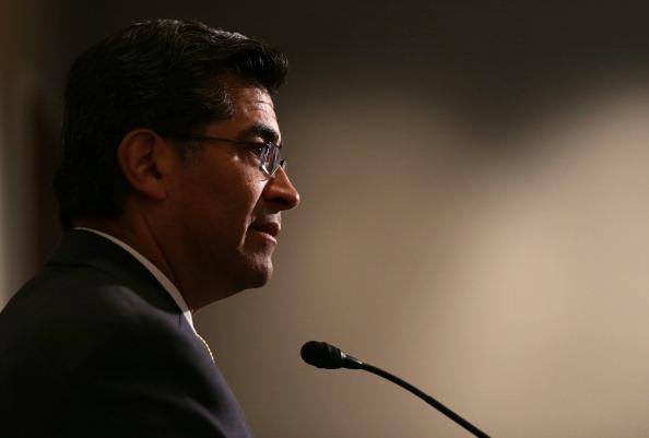 Xavier Becerra se convirtió en enero de 2017 en el primer Fiscal General latino de EEUU
