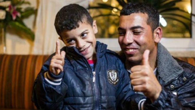 Azam, el niño sirio más buscado de Europa, está en Alemania