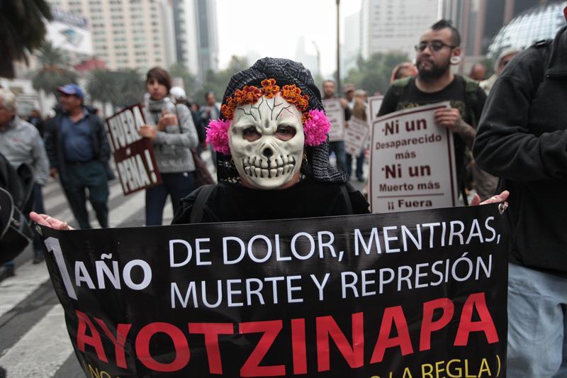 México usará drones para localizar a los 43 de Ayotzinapa