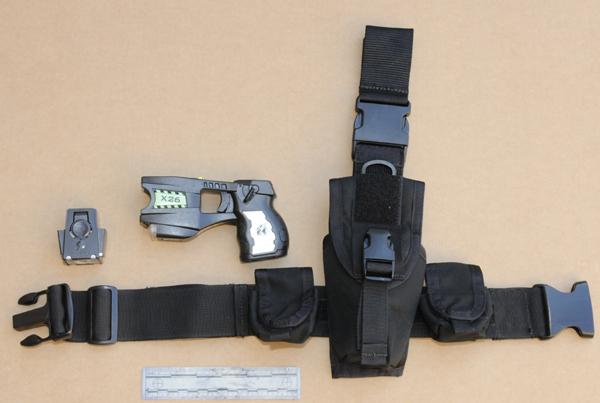 Más pistolas 'Taser' para agentes del LAPD