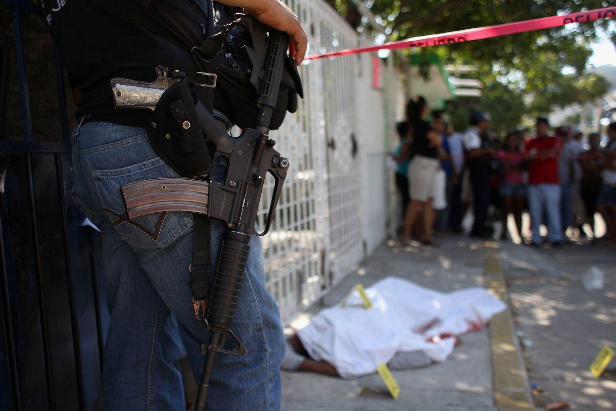 Sicarios irrumpen en fiesta de policías en Cancún