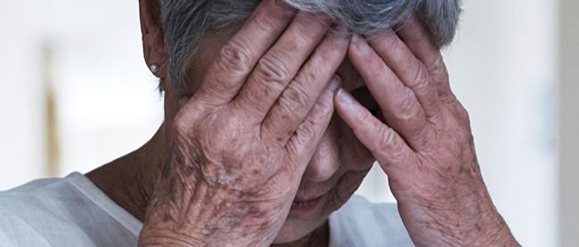 Plantean dar cobertura de salud a los ancianos indocumentados de California