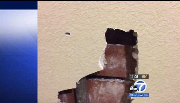 Investigan a agente del LAPD tras incidente que aterrorizó a familia