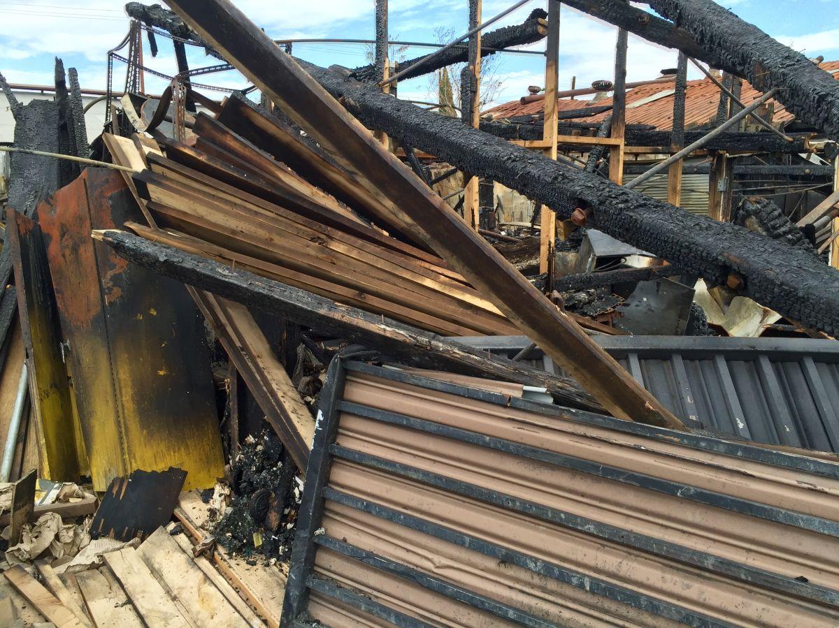 Tremendo incendio en Huntington Park afecta tres negocios