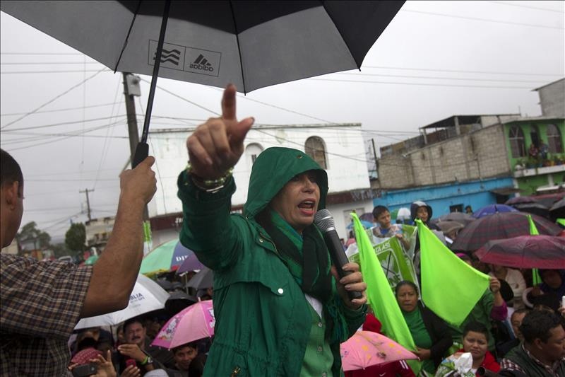 Guatemala: Morales y Torres arrancan semana crucial para ganar la Presidencia
