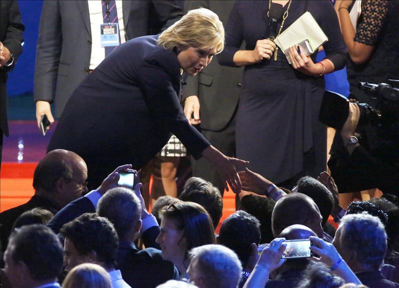 Hillary Clinton se compromete a trabajar por Reforma Migratoria si es presidenta