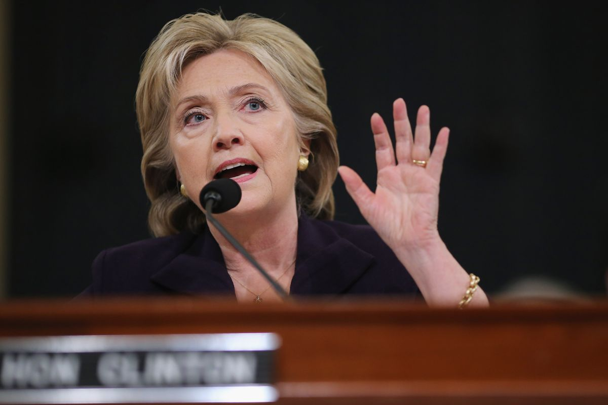 Clinton asume responsabilidad por ataque al consulado en Bengasi