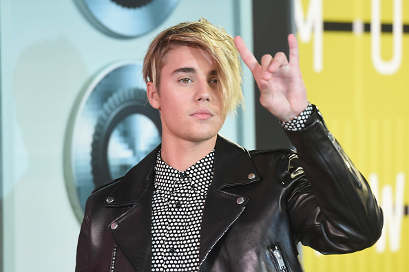 Justin Bieber reacciona tras publicación de fotos desnudo