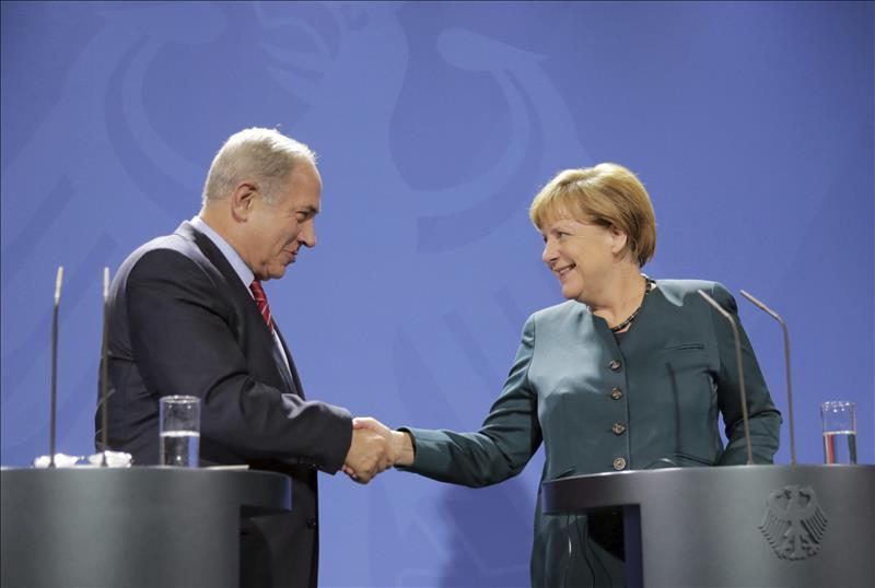 Merkel dice que el holocausto fue responsabilidad alemana tras la polémica de Netanyahu