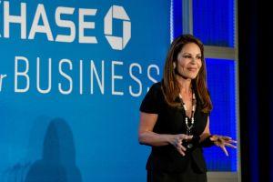 Nely Galán: Hay más oportunidades para el emprendimiento que para empleos