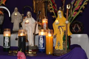 FOTOS: Así veneran a la Santa Muerte en uno de los barrios más violentos de México, cuna de peligrosos narcos