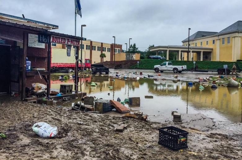 Históricas inundaciones dejan 9 muertos en noreste de EEUU