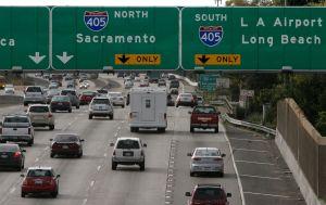 Mañana mortal en el Freeway 405 en Los Ángeles tras brutal choque de tres autos