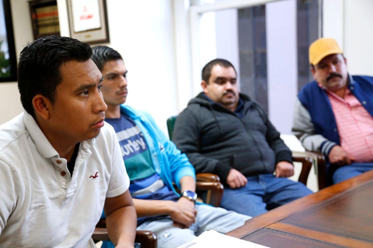 Inmigrantes viven tragedia al cruzar en panga hacia EEUU