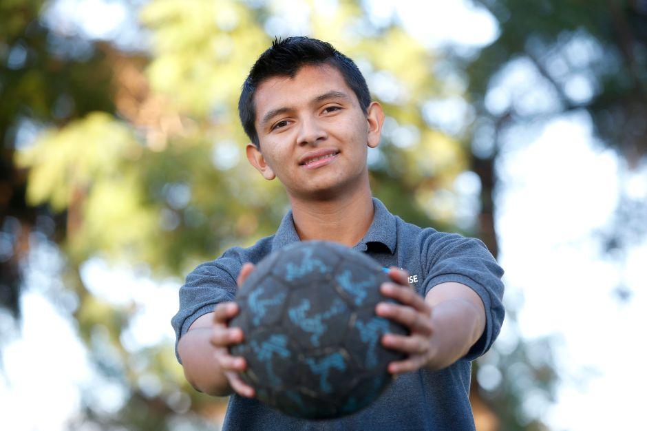 #NuestroFutbolista: Esdras, defensor de su sueño americano