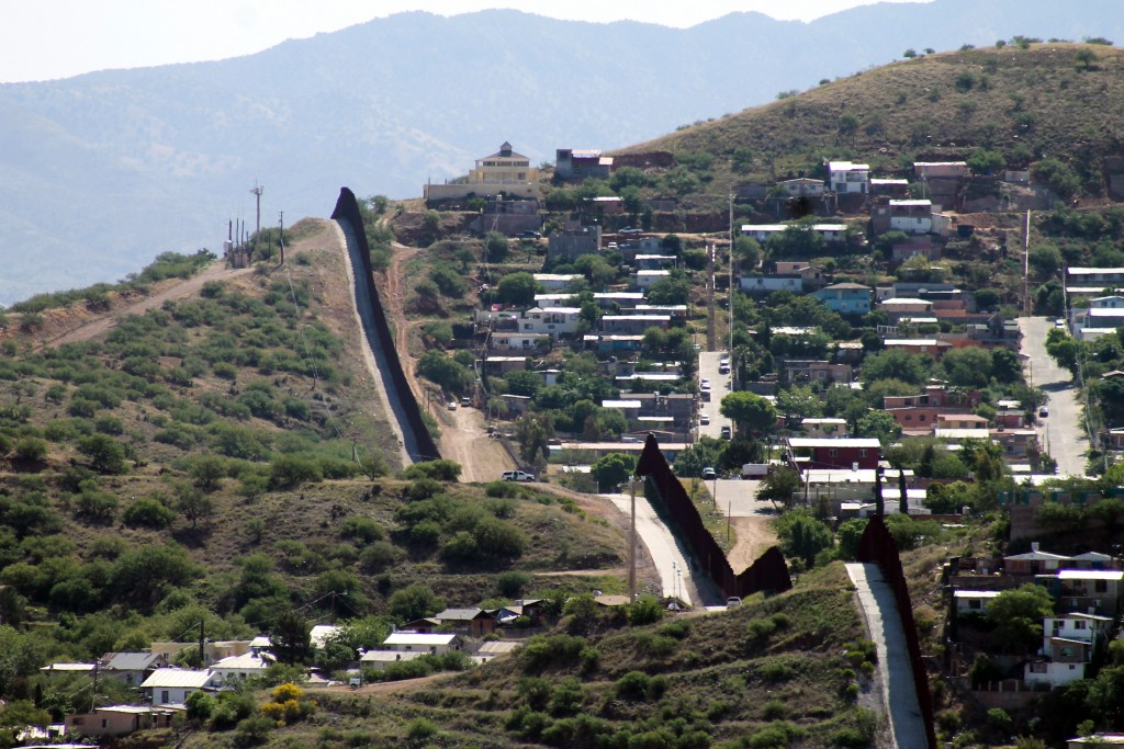 Primaria de Arizona revive el reciente pasado antiinmigrante