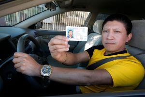 Ley AB 60 habría aumentado cifra de vehículos con seguro en California