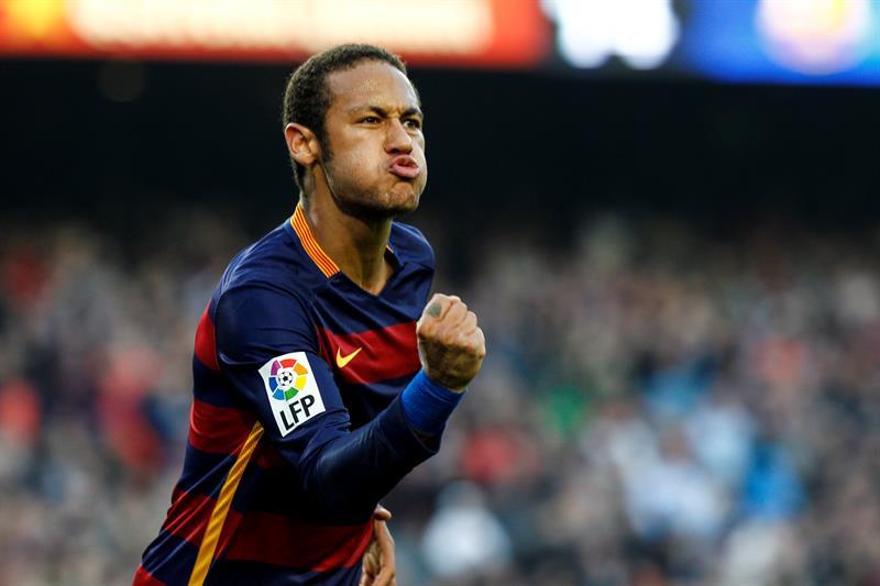 Neymar anotó un golazo.