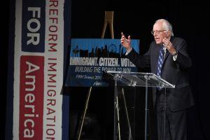 ¿Podrán los candidatos demócratas cumplir sus ambiciosas promesas sobre inmigración?