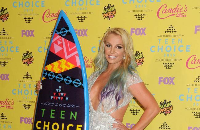 Britney Spears baila al ritmo de 'Hello', lo nuevo de Adele