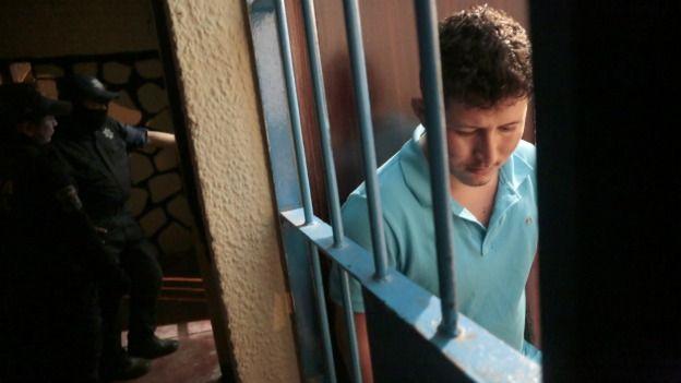 Hombre de Hemet es acusado de matar a su novia y conducir con el cuerpo en su coche