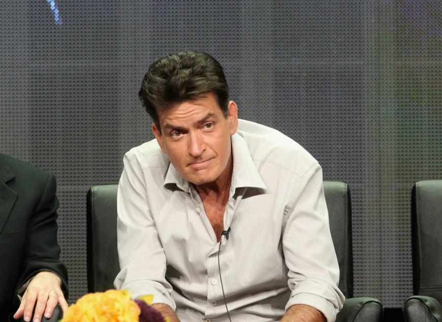Charlie Sheen se prepara para las demandas que se le vienen encima después de su polémica entrevista.