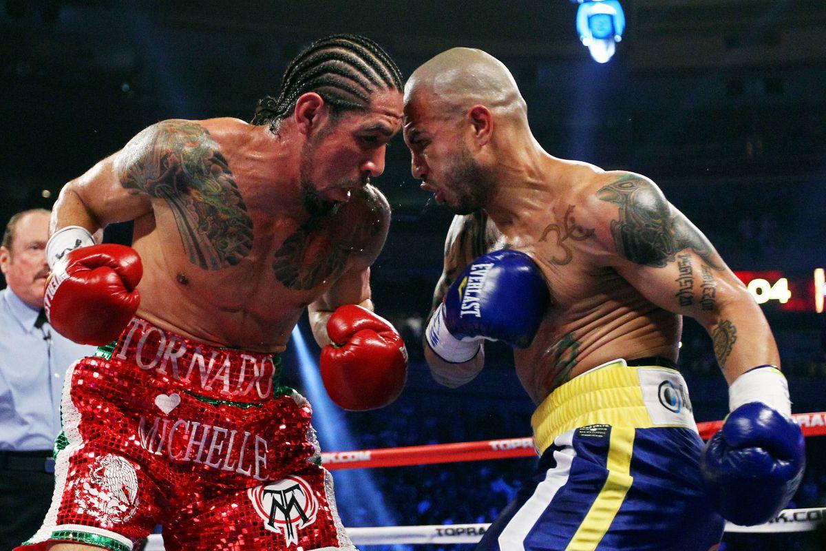 Miguel Cotto (der.) en su segunda pelea ante Margarito en 2011.
