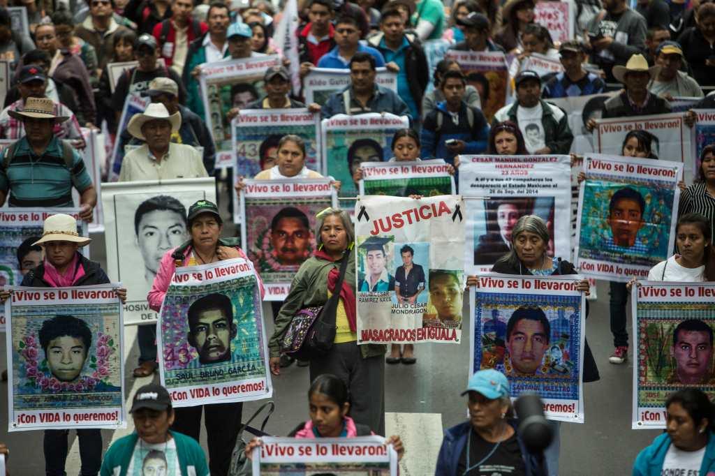 La demanda de justicia para las víctimas de Ayotzinapa no cesa.