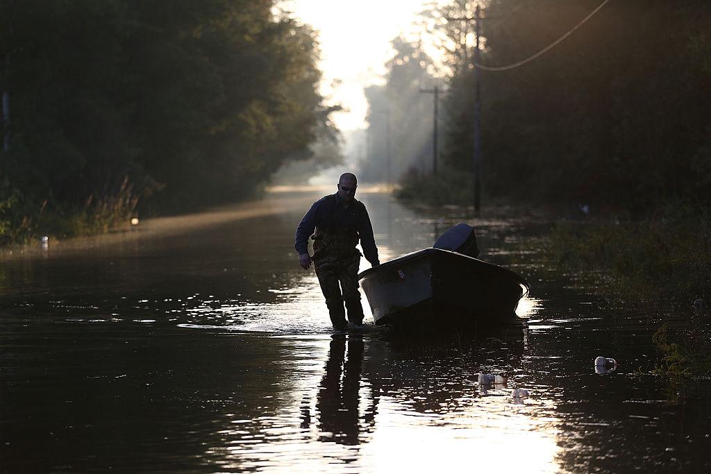 Autoridades reportan al menos 9 muertos por las inundaciones en Oklahoma, Kansas y Texas.
