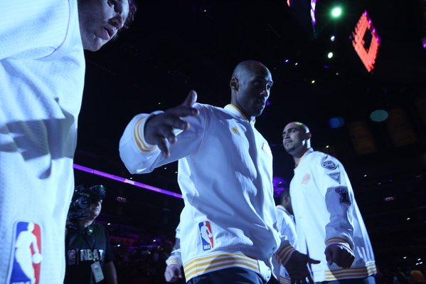 Kobe y el principio de la gira del adiós: cuatro canastas en 20 tiros de campo