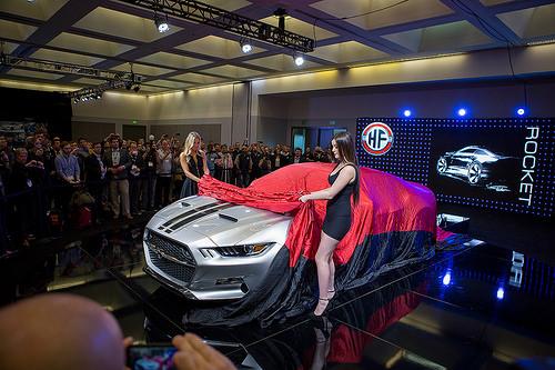 #BuenosDíasLA: Llegó el LA Auto Show