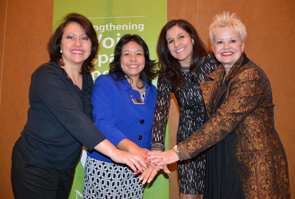 Líderes latinas escasean en la política de EEUU