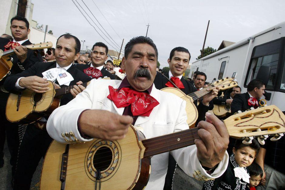 El coronavirus calla a los mariachis y los deja sin trabajo en Los Ángeles