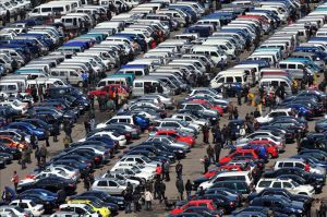 ¡Cuidado! Este popular concesionario está vendiendo autos usados que deben ser retirados