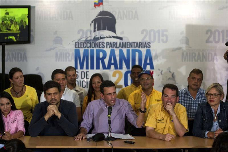 Oposición consigue dos tercios del Parlamento venezolano