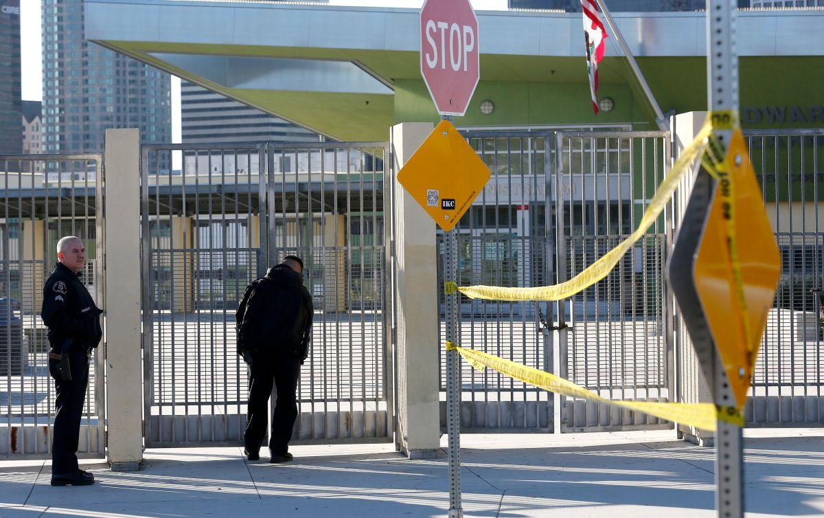 Una amenaza de bomba contra las escuelas del LAUSD fue enviada a miembros de la junta escolar de Los Ángeles, informó LAPD.