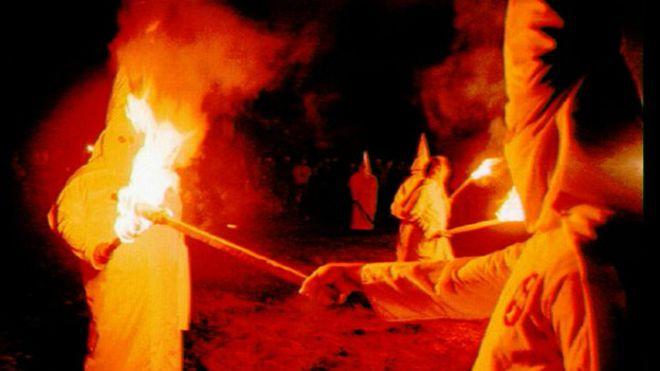 El resurgimiento del Ku Klux Klan en el año de su 150 aniversario (video)
