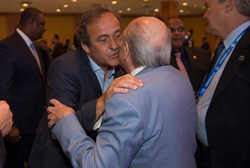 La UEFA conocía desde 1998 que Platini cobraba de la FIFA