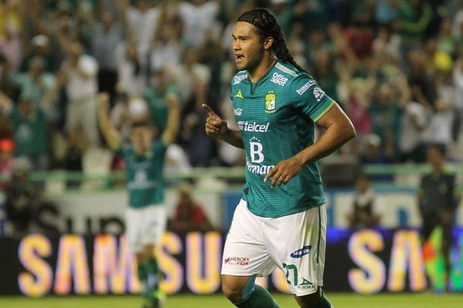 Chivas ficha a Carlos 'Gullit' Peña para el Clausura 2015