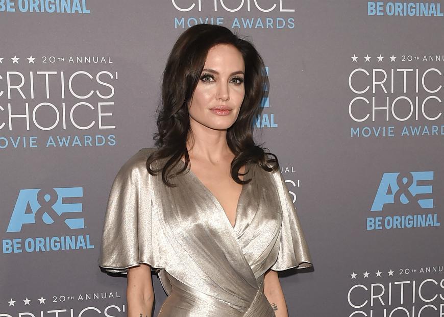 Estas son las fotos que han metido en problemas a Angelina Jolie