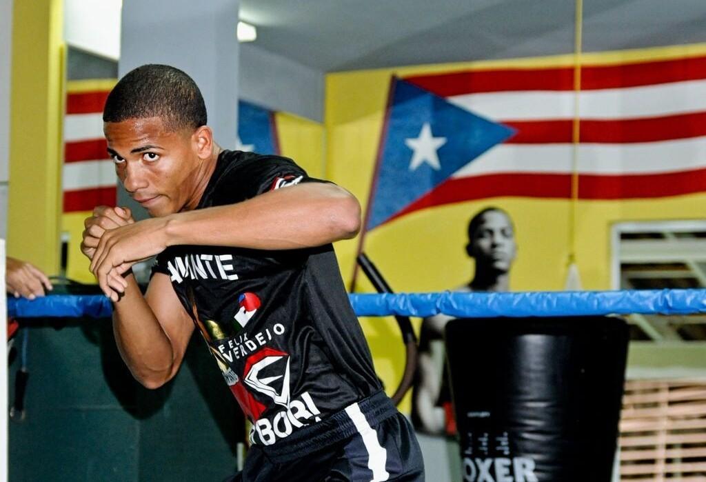 Imágenes dramáticas: Inducen coma a boxeador mexicano tras
