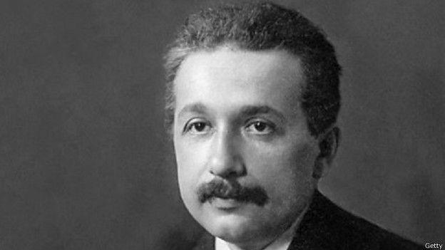 Después de muchos intentos Einstein se convirtió en profesor en la Universidad de Zurich.