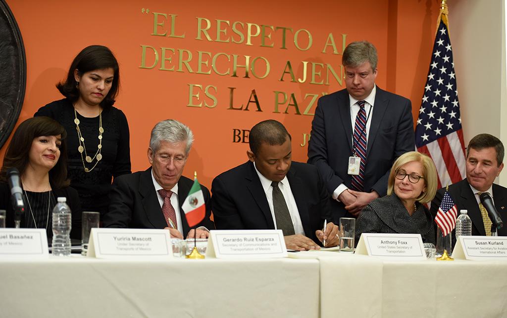Firma del Acuerdo Bilateral de Servicios Aéreos entre México y EUA