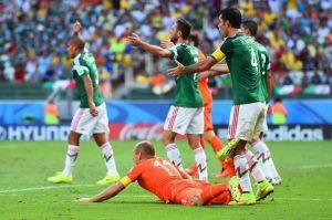 #SíEraPenal: Después de seis años, Rafa Márquez acepta que cometió falta sobre Robben en el Mundial de 2014