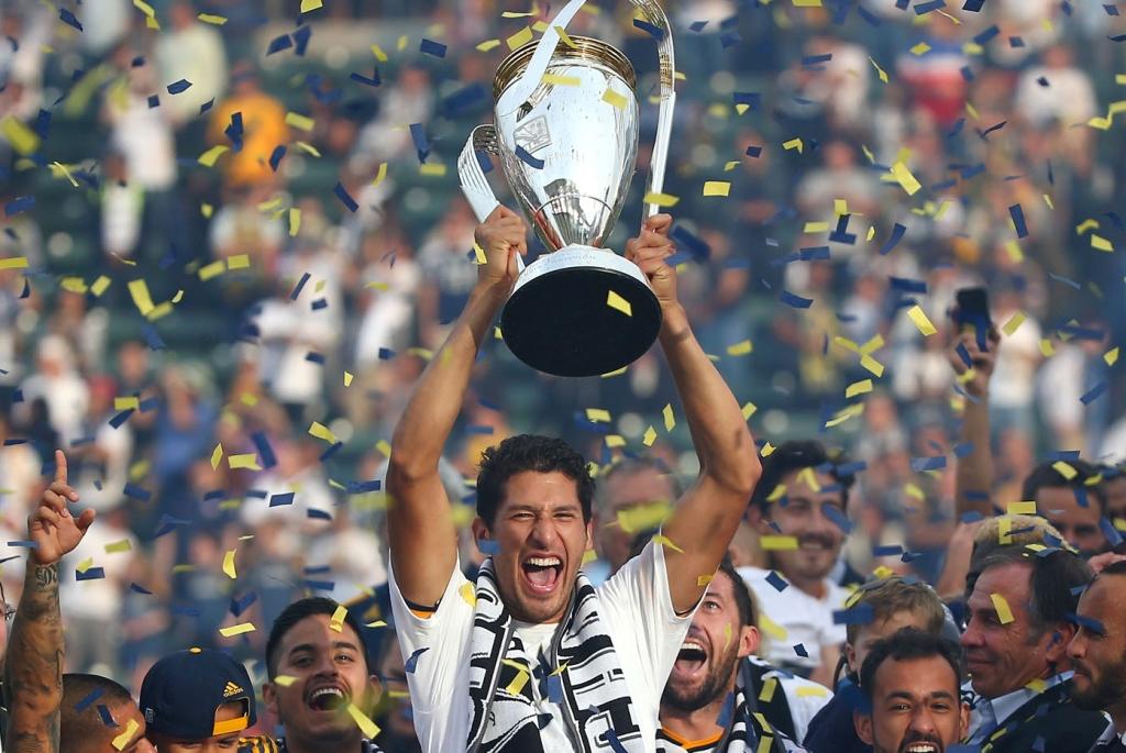 Omar González deja al LA Galaxy para unirse al Pachuca