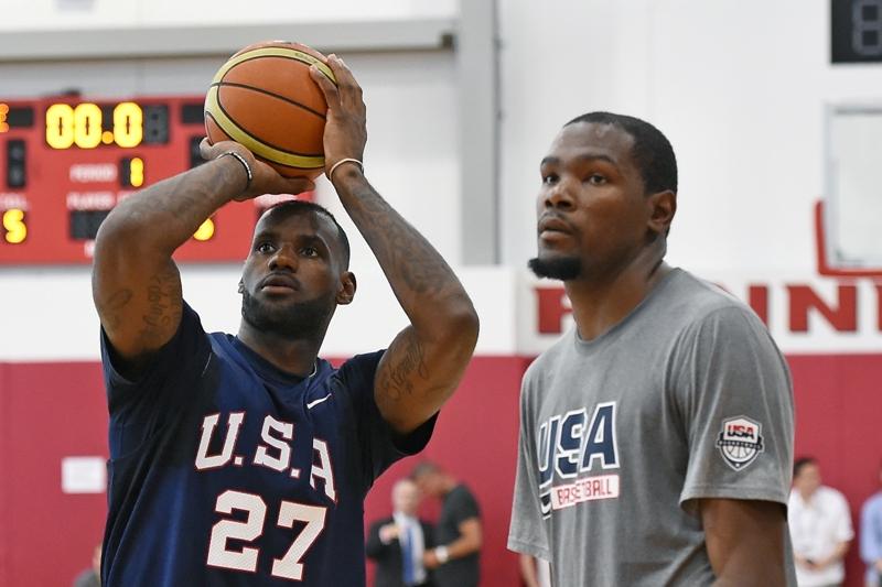 LeBron y Durant admiten que quisieron ser como Kobe Bryant