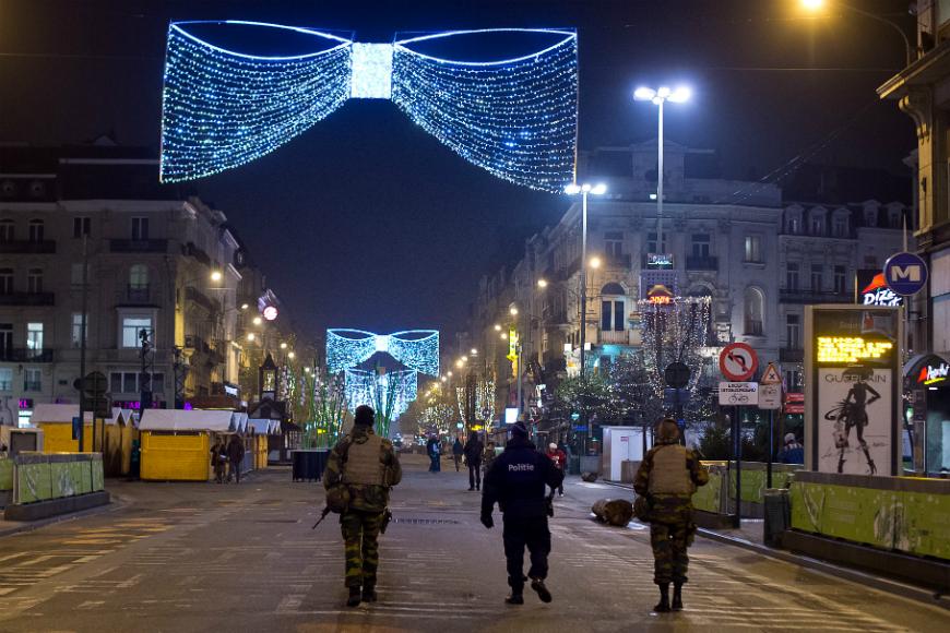 La acción antiterrorista concierne así a un total de siete distritos: Saint-Gilles, Anderlecht, Molenbeek, Bruselas Centro, Koekelberg, Schaerbeek y Saint-Josse.