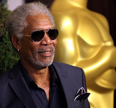 Morgan Freeman salió ileso tras un aterrizaje de emergencia