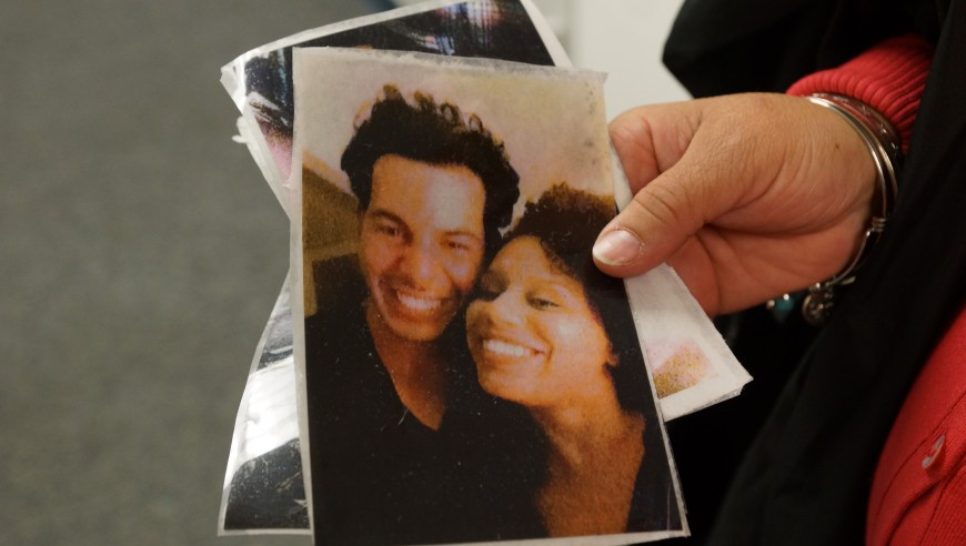 Madre de Nicolas Figueroa muestra fotos de su hijo quien murió en explosión de edificio en East Village