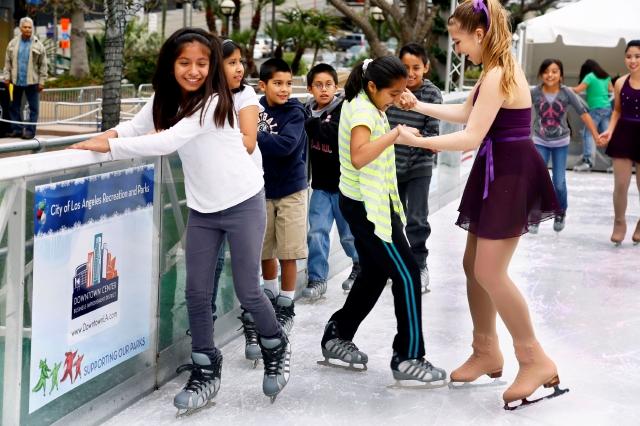#BuenosDíasLA: A festejar la temporada, sobre hielo